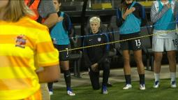 int_160915_watch_rapinoe_kneels_during_national_anthem